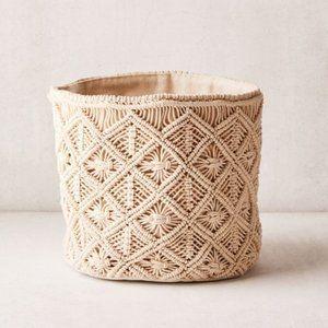 URBAN OUTFITTERS Macramé Catch-All Basket Medium
